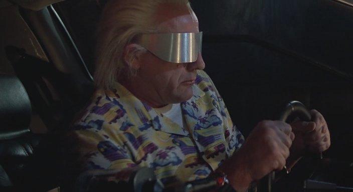 Кадр из фильма Назад в будущее 2 - Очки, которые являются портативным экраном для вывода информации