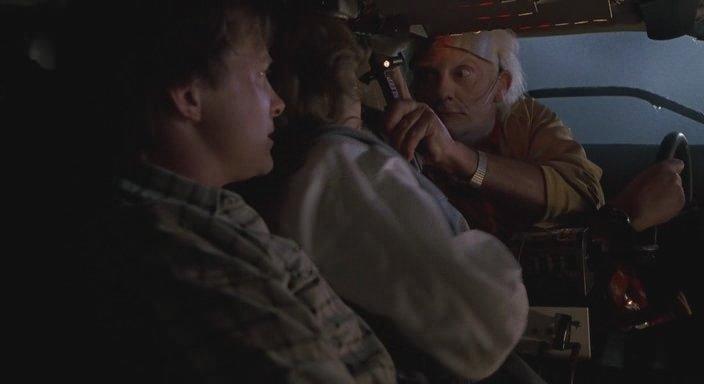 Кадр из фильма Назад в будущее 2 - Альфа-частотный усыпитель вместо медикаментозного снотворного